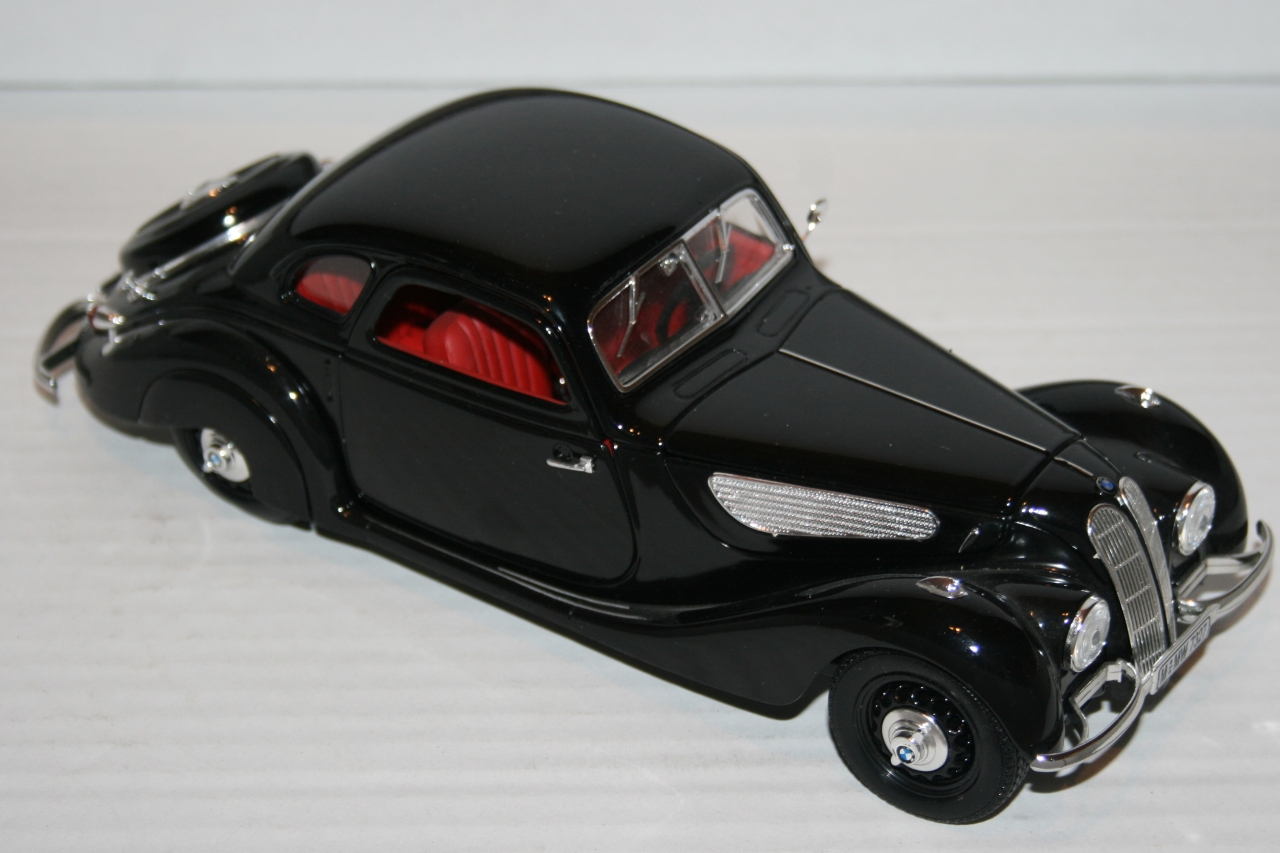 1937 - BMW 327 coupe Guiloy 1/18 - Gallery