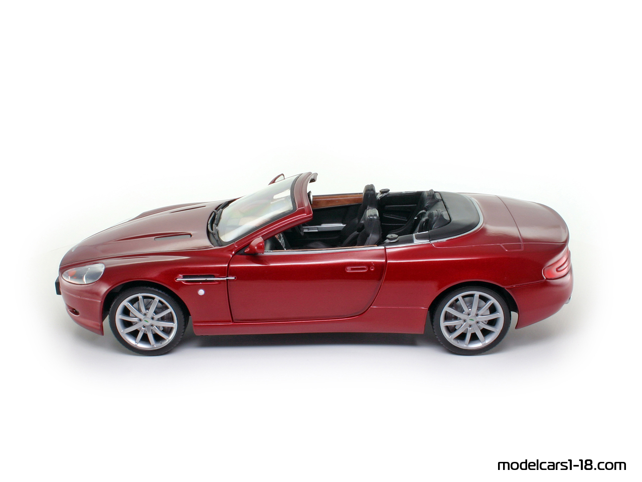 2004 aston martin db9 volante cabrio solido 1 18 gallery. Black Bedroom Furniture Sets. Home Design Ideas