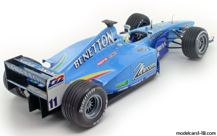 2000  Benetton Playlife B200 Formula 1 Minichamps 1/18 vs. real car