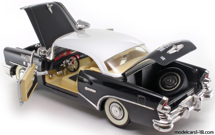 1955 - Buick Century Highway Patrol Mira 1/18 - All Opening Parts