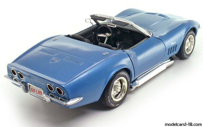1969 chevrolet corvette stingray c3 cabrio revell 1 18 details. Black Bedroom Furniture Sets. Home Design Ideas