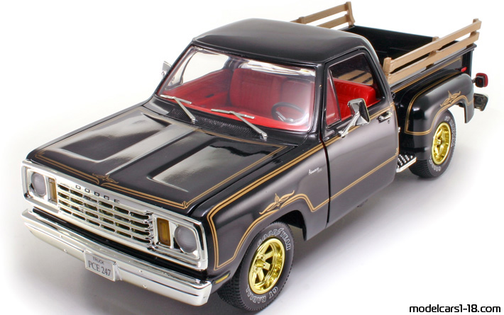 1978 - Dodge Warlock ERTL 1/18 - Front Left Side