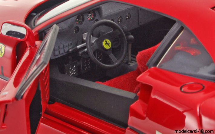 1987 Ferrari F40 Coupe Elite 118 Details