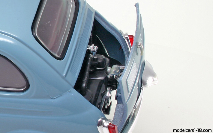 1957 - Fiat 500 Solido 1/16 - Engine