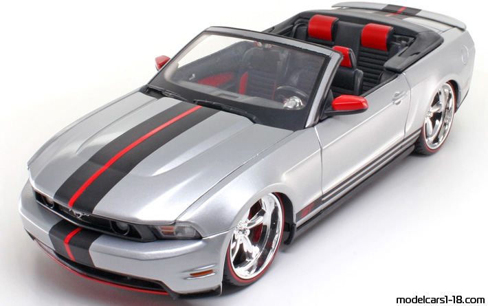 2010 - Ford Mustang GT, Pro Rodz  1/18