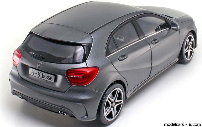 2012 - Mercedes A (W176) Norev 1/18 - Rear Right Side