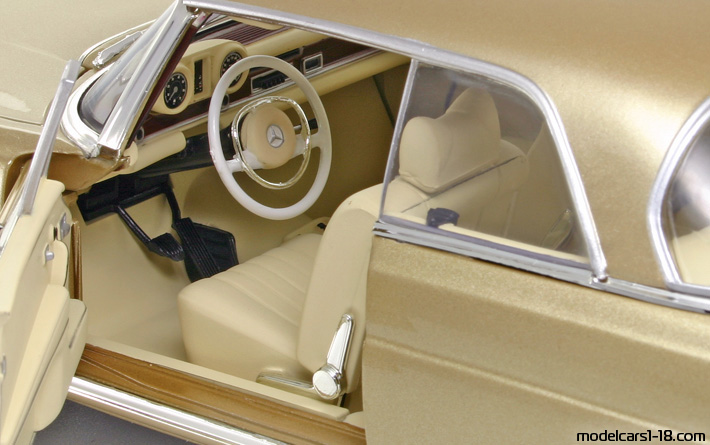 1969 - Mercedes 280 SE (W112) Norev 1/18 - Interior Dashboard
