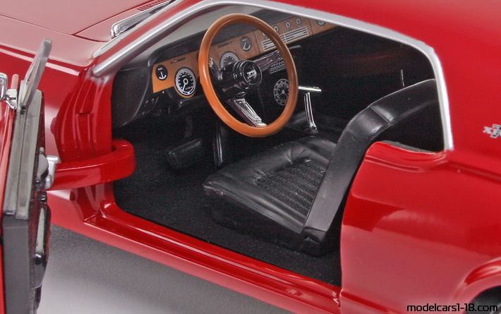 1967 - Mercury Cougar XR7 Sun Star 1/18 - Interior Dashboard