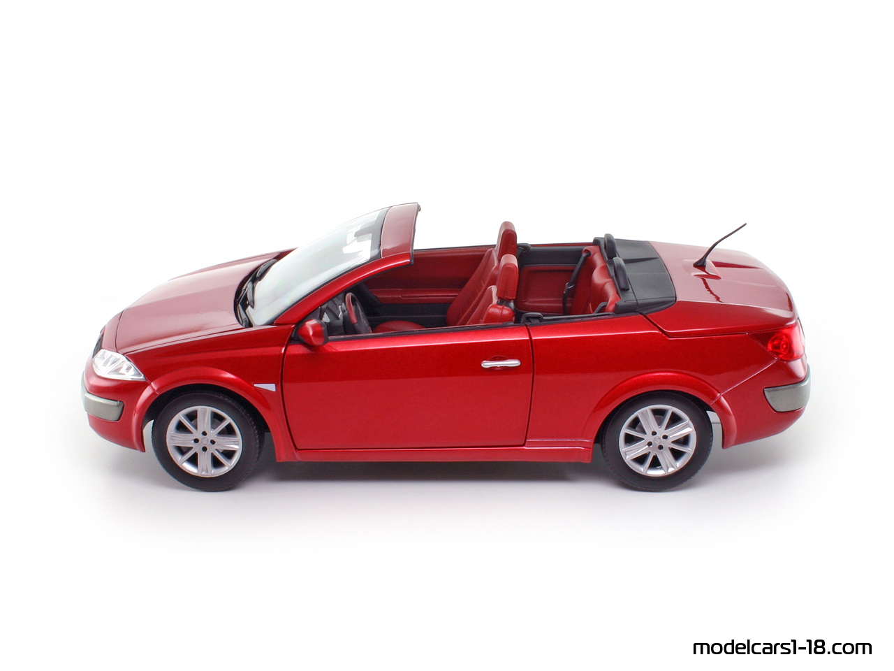 2003 renault megane cc dci coupe cabrio solido 1 18 gallery. Black Bedroom Furniture Sets. Home Design Ideas